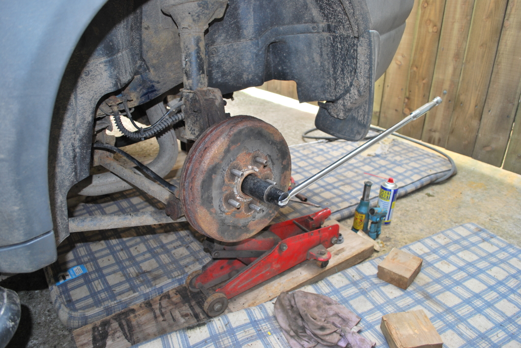 How To Replace A Wheel Bearing On A Freelander – Land Rover Blogger