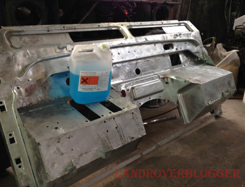 Land Rover 6×6 Painting The Galvanized bulkhead