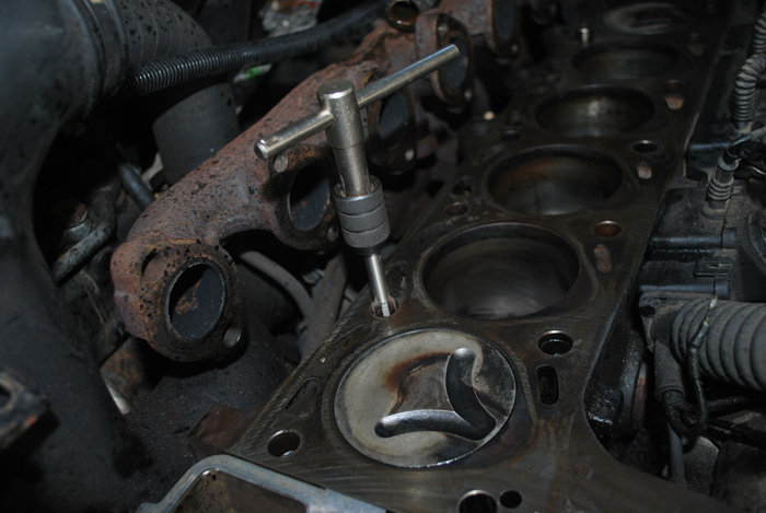 Range Rover P38 Cylinder Head Change – Land Rover Blogger